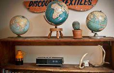 vintage globes..toujours pour mon coin qui sert à rien..coin voyage?