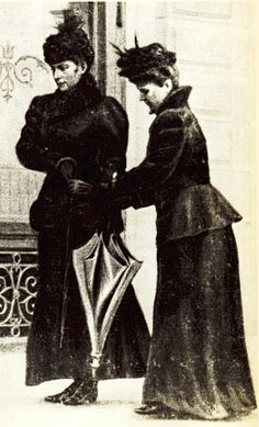 The last known photo of Sisi, taken the day before her assassination (1898).  Sisi is on the left, while her lady-in-waiting Irma Sztáray is on the righ.