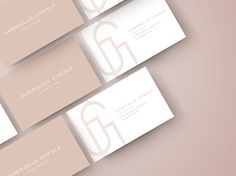 Discover recipes, home ideas, style inspiration and other ideas to try. N Logo Design, Graphic Design Tips, Branding Design, Visiting Card Design, Name Card Design, Presentation Cards, Business Card Design Inspiration, Letterpress Business Cards, Simple Business Cards