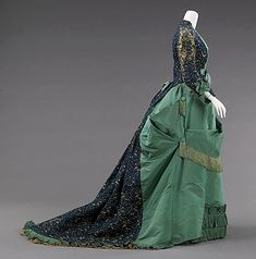Afternoon dress: Design House: House of Worth (French, Designer: Charles Frederick Worth (French (born England), Bourne Paris) Date: ca. 1875 Culture: French Medium: silk Dimensions: Length at CB (a): 28 in. cm) Length at CB (b): 61 in. 1870s Fashion, Fashion In, Edwardian Fashion, Fashion History, Vintage Fashion, Gothic Fashion, Charles Frederick Worth, Charles James, House Of Worth