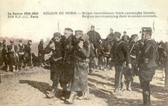 """Belgian accompanying their wounded comrades"" WW1 postcard. ""Accompagnant belge leurs camarades blessés"" carte postale WW1"
