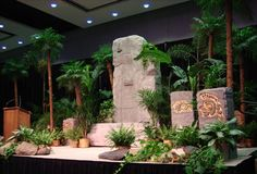 jungle stage (WF right in middle) Jungle Party, Safari Party, Safari Theme, Jungle Safari, Jungle Theme, Jungle Decorations, Stage Decorations, Into The Wild, Hawaian Party