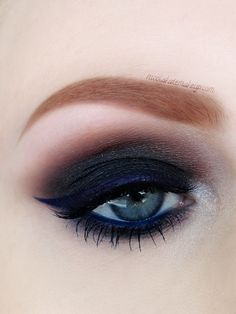 Delightfully Dark | A lovely take on black and navy blue