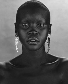 "ejakulation: ""'With & Without', Alek Wek photographed by Wendelien Daan, 2000 "" Glamour Photography, Portrait Photography, Photography Reflector, Blur Photography, Photography Hacks, Photography Classes, Iphone Photography, Photography Backdrops, People Photography"