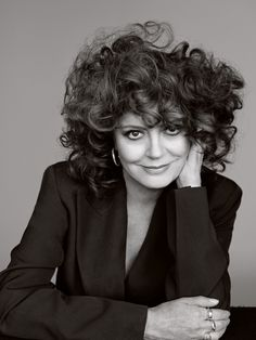 Susan Sarandon Stars in the Cover Story of Elle UK November 2017 Issue Best Picture For Celebrities Susan Sarandon Hot, Thelma Et Louise, New York City, Celebrities Then And Now, Elle Magazine, Naomi Campbell, Timeless Beauty, Gorgeous Women, Beautiful Film
