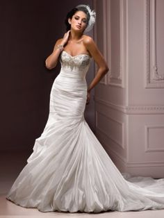 Wedding dresses on pinterest burlap runners wedding for Around the neck wedding dresses