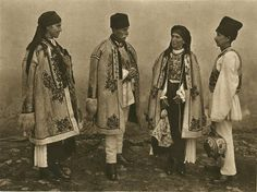 Romanian peasants from the Boita Village, southern Transylvania. Romania People, Sun Worship, Folk Clothing, Sweden Travel, Grey Clouds, The Beautiful Country, Traditional Outfits, Medieval, Costumes
