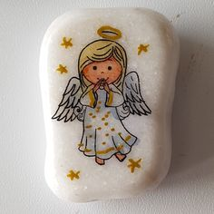 Rock Painting Ideas Easy, Rock Painting Designs, Stone Crafts, Rock Crafts, Christmas Rock, Painted Rocks Kids, Painted Christmas Ornaments, Cute Art Styles, Rock Design