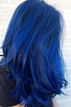 Pin by Phyrra - Pale Girl Beauty, Hooded Eye Makeup, Lifestyle on blue hair color - Hair Color Best Blue Hair Dye, Dark Blue Hair, Dyed Hair Blue, Blue Wig, White Hair, Blue Tips Hair, Bright Blue Hair, Royal Blue Hair, Hair Dye Colors
