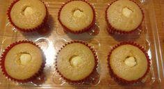 Cupcakes de vainilla rellenos de crema pastelera