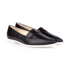 On trend vegan flat pointed loafers, in matt black faux snake material with EVA sole. Super easy to wear, and versatile to wear from smart to casual! Please be aware average customer feedback on this style is that it's coming up small. ♥︎ EVA sole unit approx 1cm ♥︎ Soft round toe shape flat ♥︎ Breathable 100% recycled faux leather lining with plant-based coating ♥︎ 100% vegan and vegetarian ♥︎ Beautifully handmade in Spain