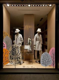 Winter Window Display, Fashion Window Display, Fashion Displays, Window Display Design, Store Window Displays, Boutique Window Displays, Display Windows, Retail Displays, Fashion Store Display