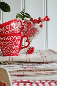 Rosy Red Cottage with vintage linens. Love the heart-shaped handles on the mugs. White Cottage, Cottage Style, Farm Cottage, White Christmas, Christmas Time, Scandinavian Christmas, Rustic Christmas, Vibeke Design, Red Kitchen