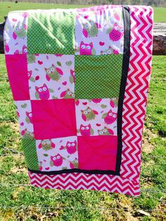 Owl Crib Quilt in Pink Chevron by NeNesQuilts on Etsy