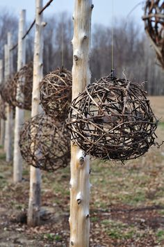 Grapevine Balls at By Chadsey's Cairns, Prince Edward County, Ontario. Grapevine Balls von By Chadseys Cairns, Prince Edward County, Ontario. Garden Crafts, Garden Projects, Garden Art, Diy Projects, Garden Paths, Garden Landscaping, Terrace Garden, Garden Tips, Twig Art