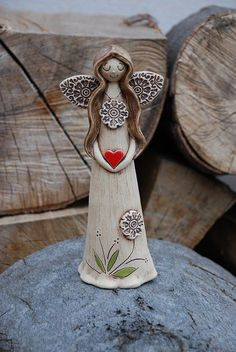 1 million+ Stunning Free Images to Use Anywhere Ceramic Clay, Ceramic Pottery, Pottery Art, Sun Crafts, Clay Crafts, Clay Angel, Ceramic Christmas Decorations, Pottery Angels, Ceramic Angels