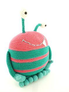 Crochet Pattern - Pinky the monster Amigurumi Crochet Pattern