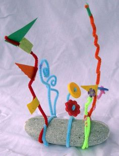 Alexander Calder Stabile sculpture. Lovely and simple!