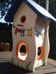 ein Haus mit Nistkasten plus Futterhaus!