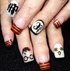 Nail art is a very popular trend these days and every woman you meet seems to have beautiful nails. It used to be that women would just go get a manicure or pedicure to get their nails trimmed and shaped with just a few coats of plain nail polish. Harry Potter Nails Designs, Harry Potter Nail Art, Nail Art Diy, Cool Nail Art, Diy Nails, Galeries D'art D'ongles, Hery Potter, Nail Polish, Best Nail Art Designs