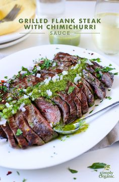 Dress up your grilled steak in the easiest way with this vibrant chimichurri sauce recipe. Best Beef Recipes, Healthy Meat Recipes, Mexican Food Recipes, Dinner Recipes, Cooking Recipes, Steak With Chimichurri Sauce, Food Tasting, Beef Dishes, Entrees