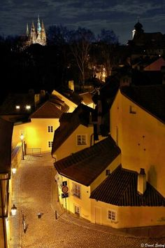 The castle wall and surrounded houses with the Prague Castle in the background. What a beautiful shot! #CzechPragueOut
