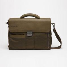 Medium Laptop Bag in Green (MANDARINA3 1066294)