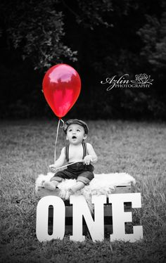 Ideas Birthday Pictures With Balloons Photography Year Old 1st Birthday Photoshoot, Baby Boy 1st Birthday, Birthday Highchair, Baby Boy Photos, Baby Pictures, First Year Pictures, Baby Kalender, Bebe 1 An, Book Bebe