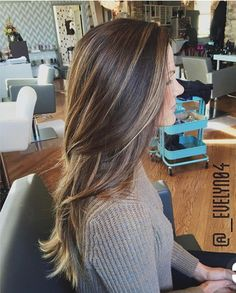 49 Beautiful hair color that are sooo popular right now - balayage hair color ideas brown honey hair color fall hair color Dark Brown Hair With Blonde Highlights, Brown Bayalage, Brunette With Blonde Highlights, Baby Highlights, Balayage Highlights, Hair Color And Cut, Brunette Hair, Balayage Brunette Long, Fall Hair