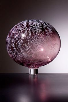 'CHIOCCIOLA' , made by: Lino Tagliapietra - glass art, 14 3/4 X 14 3/4 X 14 3/4 inches. (I love the perfect balance in this piece)