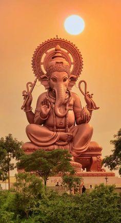 Lord Ganesha Statue, Sunset, Mobile Wallpaper,Indian God - My best wallpaper list Shri Ganesh Images, Ganesh Chaturthi Images, Ganesha Pictures, Lord Krishna Images, Lord Shiva Hd Wallpaper, Lord Hanuman Wallpapers, Ganesh Wallpaper, Lord Ganesha Paintings, Lord Shiva Painting
