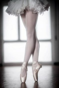 BALLETlove | LATEST trends | BALLET | DANCE | BALLET-BARRE | FITNESS | trendyEXERCISES | balletworkout  | pinned by http://www.cupkes.com/ Photo