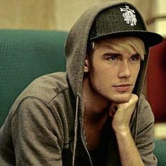 Colton Dixon...like seriously...can i just have him??? please??? i mean just look at that adorableness!