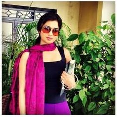 """Super background and superb photos.of Shreya ghoshal Shreya Ghoshal Hot, Sri Lanka Photography, Indian Actresses, Role Models, Bollywood, That Look, Sari, Popular, Cute"