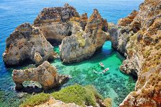 Algarve Coast Portugal Tour – Tips for Muslim Travelers Explore Algarve Coast Villages Tips for Muslim Travelers The Algarve is one of the most popular vacation destinations in Europe. Blessed with a superb coastline and some of the country's loveliest beaches, the province enjoys hot dry summers short mild winters and a warm sea temperature that is delight. The Algarve is a region of contrast, there
