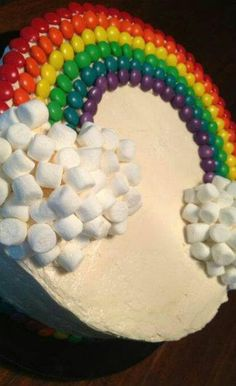 the rainbow cake is topped with i think skittles and tons of marsh… rainbow cake. the rainbow cake is topped with i think skittles and tons of marshmallows. this cake would be good for a birthday party i guess! Rainbow Birthday Party, Birthday Parties, Girl Birthday Cakes Easy, 1 Year Old Birthday Cake, Rainbow Parties, Birthday Recipes, Birthday Board, 5th Birthday, Birthday Ideas