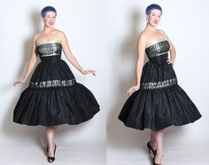 6830bda6569 STUNNING 1950s New Look Strapless Satin   Taffeta Couture Party Dress w  Shelf Bust   Floral Spiderwe