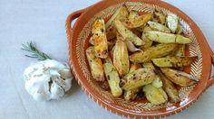 Batatas assadas com alecrim e alho