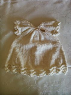 feitoepunto: Cómo se hizo... el vestido de punto en algodón rosa Boho Shorts, Lace Shorts, Baby Knitting Patterns, Macarons, Knit Crochet, Clothes, Lana, Fashion, Toddler Dress