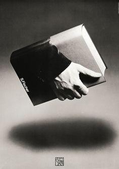 Pendant les années 70 le graphiste et designer allemand Gunter Rambow a créé cette série d'affiches pour promouvoir le travail de l'éditeur S. Fischer Verlag où les livres prennent possession de leur environnement.