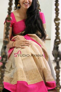Simple and sober. Best Indian Saree Click VISIT above for more options Simple Sarees, Trendy Sarees, Stylish Sarees, Traditional Fashion, Traditional Sarees, Chiffon Saree, Saree Dress, Indian Attire, Indian Ethnic Wear