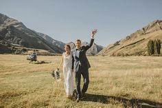 This bride + groom took a post-wedding helicopter ride!