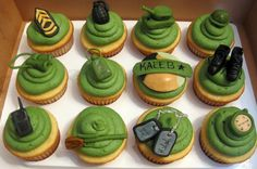 Army cupcakes  ... how cute! @Julia Gottshall, @Melynda Weaver