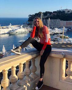 TweetDeck Blond, Caroline Wozniacki, Pretty Females, Female Athletes, Good Day, Monaco, Tennis, The Outsiders, Leather Pants