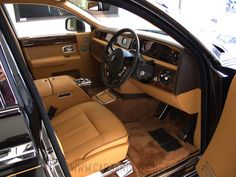 Cars & Life | Cars Fashion Lifestyle Blog: Rolls Royce Phantom Extended Wheelbase at London #PinItForwardUK
