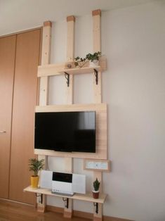 Small Rooms, Small Apartments, Small Spaces, Building Shelves, Japanese Apartment, Diy Regal, Tv Unit Design, Desk Setup, House Rooms