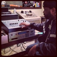 Lord Finesse and his akai s950 & emu sp1200