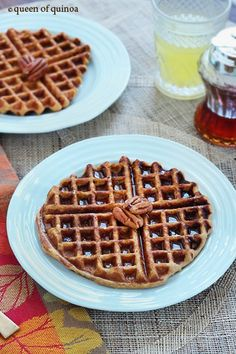 Sweet Potato Pineapple Quinoa Waffles - healthy, gluten-free and full of rich, caramel flavors! Quinoa Breakfast, Fall Breakfast, Savory Breakfast, Breakfast Recipes, Breakfast Time, Breakfast Ideas, Dinner Recipes, Foods With Gluten, Gluten Free Recipes