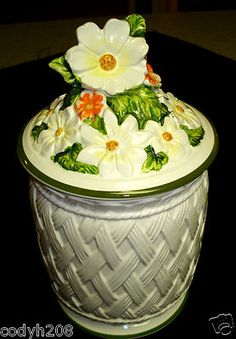 EXTREMELY RARE~VNTG~Josef Originals Lattice & Daisy Porcelain Canister w/Lid~10""