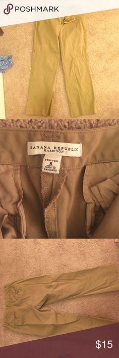 Banana Republic capris Great condition (just wrinkly) Banana Republic Capri pants; Harrison line; stretchy Banana Republic Pants Capris